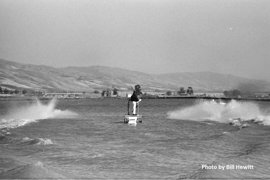 Fremont Boat Drags - 1961 by Bill Hewitt (1).JPG