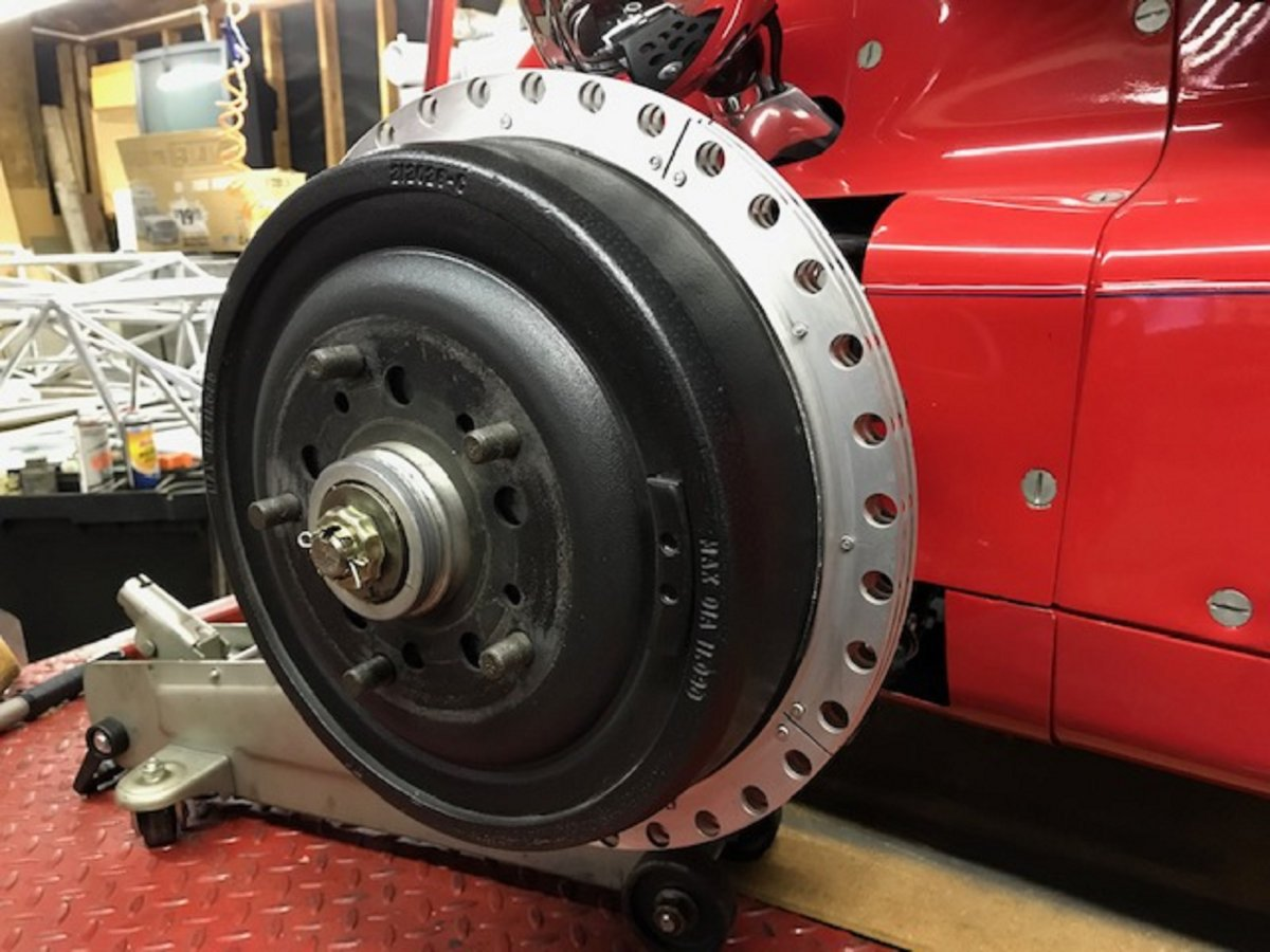 Front brake drum and heat sink - Copy.jpg