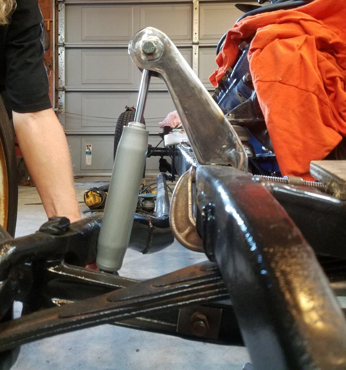 Front shock mount 2.jpg