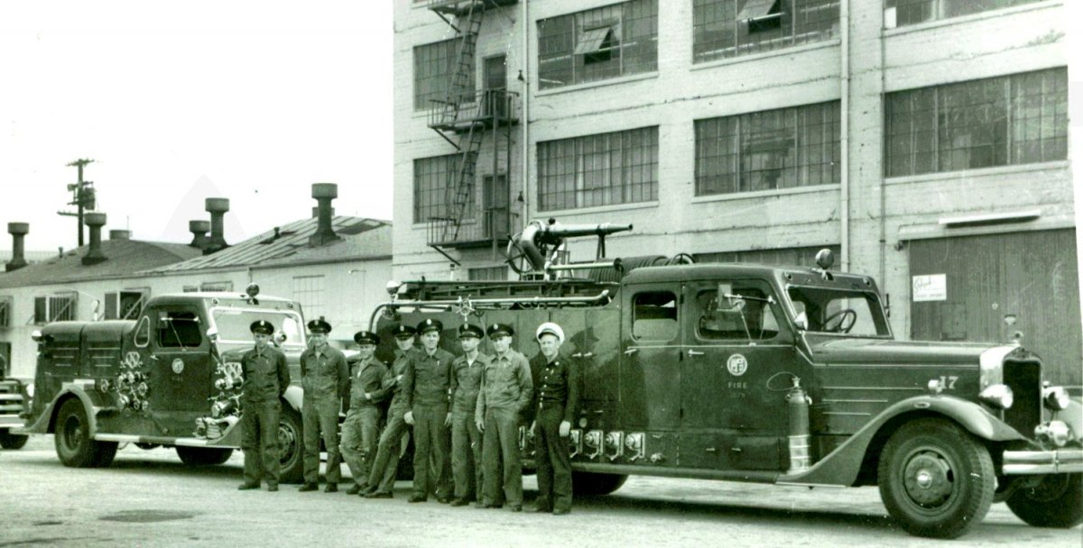 FS017_1950-000c_EngineCompany17_1500.jpg