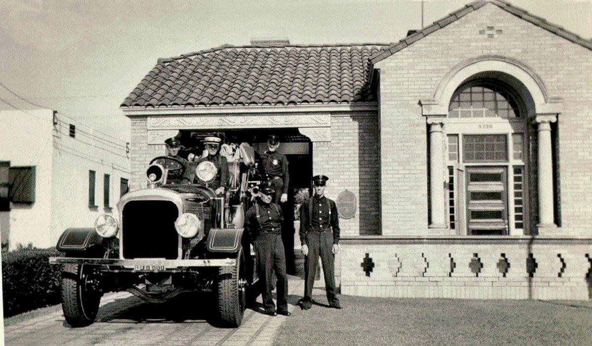 FS054_1938-0911_lafdphotoalbum_station-crew_1500.jpg