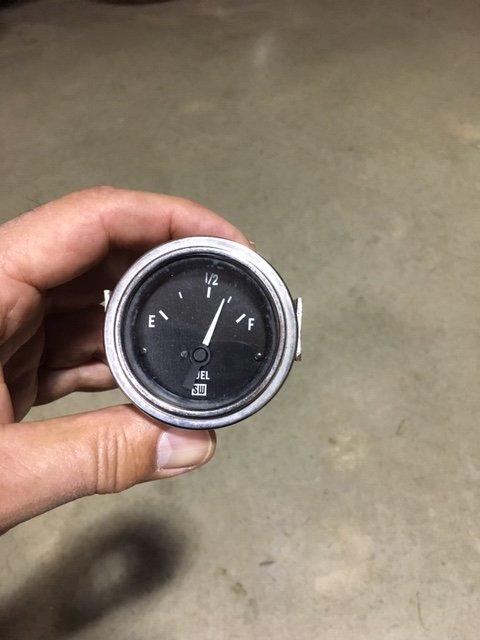 Fuel gauge 1.JPG