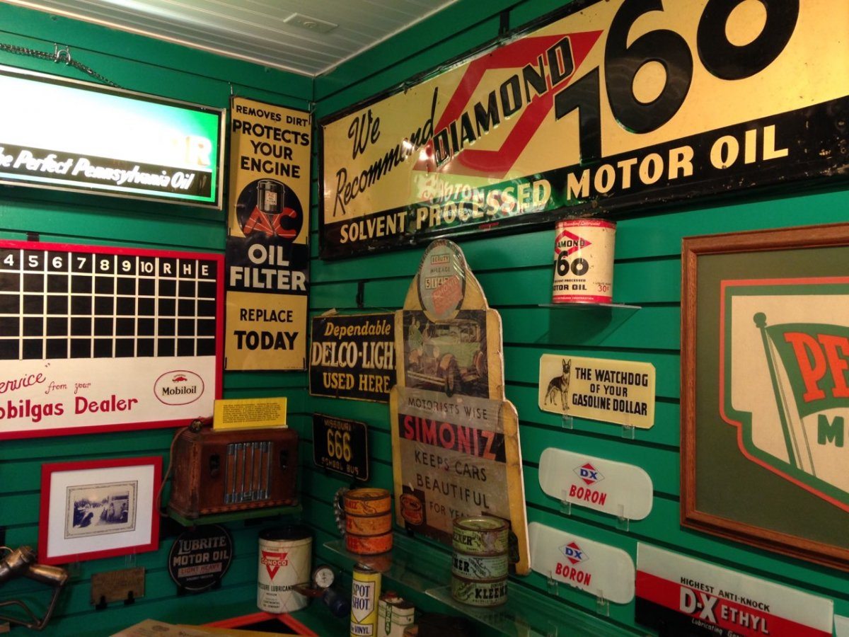 garage scene - cans - 3.jpg