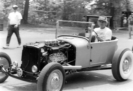 Garlits-Tbucket.jpg