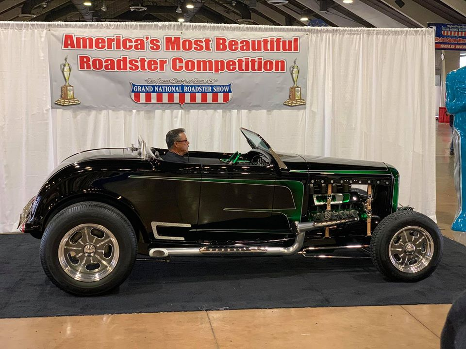 Gary Mower's  1932 Ford Roadster (by Show Time Rods).jpg