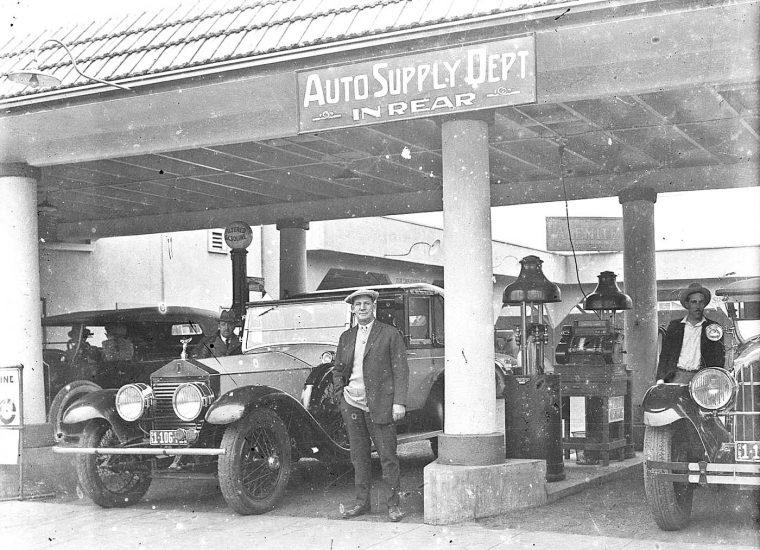 gas 191920s-Rolls-Royce.jpg
