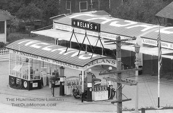 gas11 Nelan's Service Station, Pasadena, California 1928 1.jpg