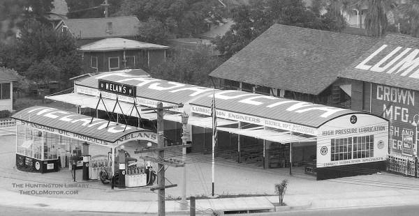 gas11 Nelan's Service Station, Pasadena, California 1928 2.jpg