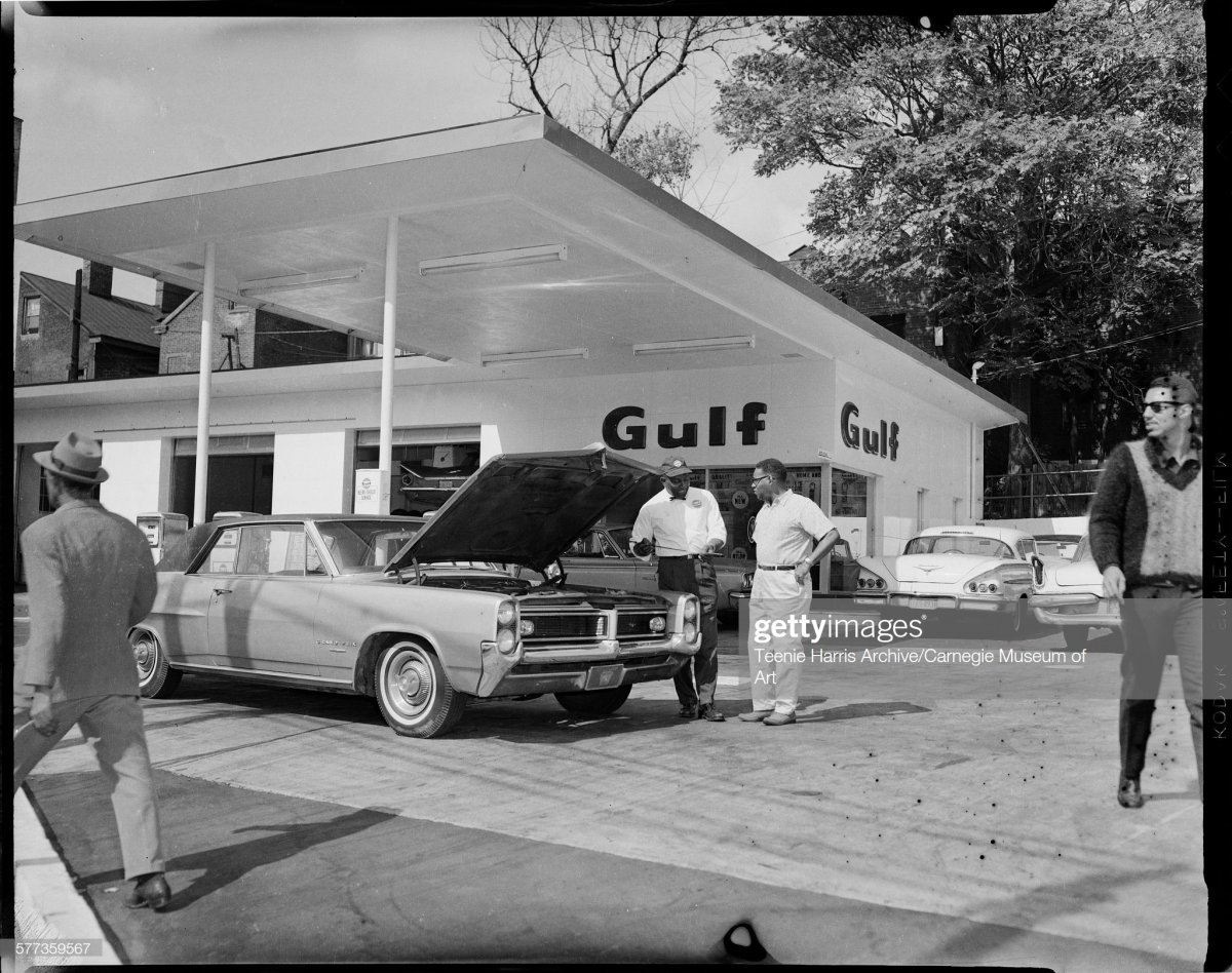 gas18  Pittsburgh, Pennsylvania, circa 1965.jpg