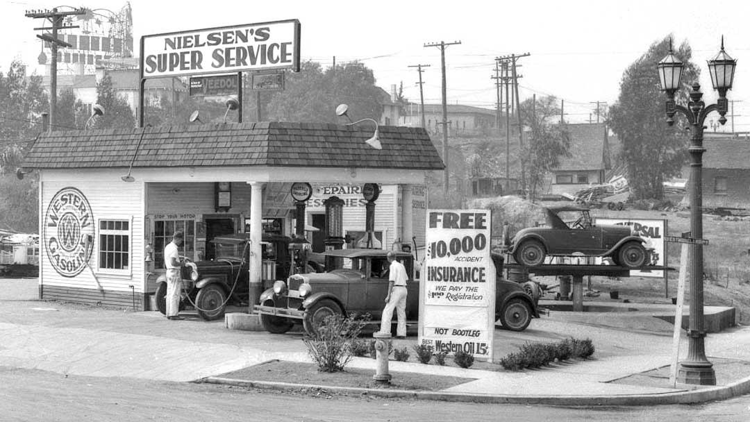gas5 Nielson's Super Service Station – Los Angeles, California 1928 1.jpg