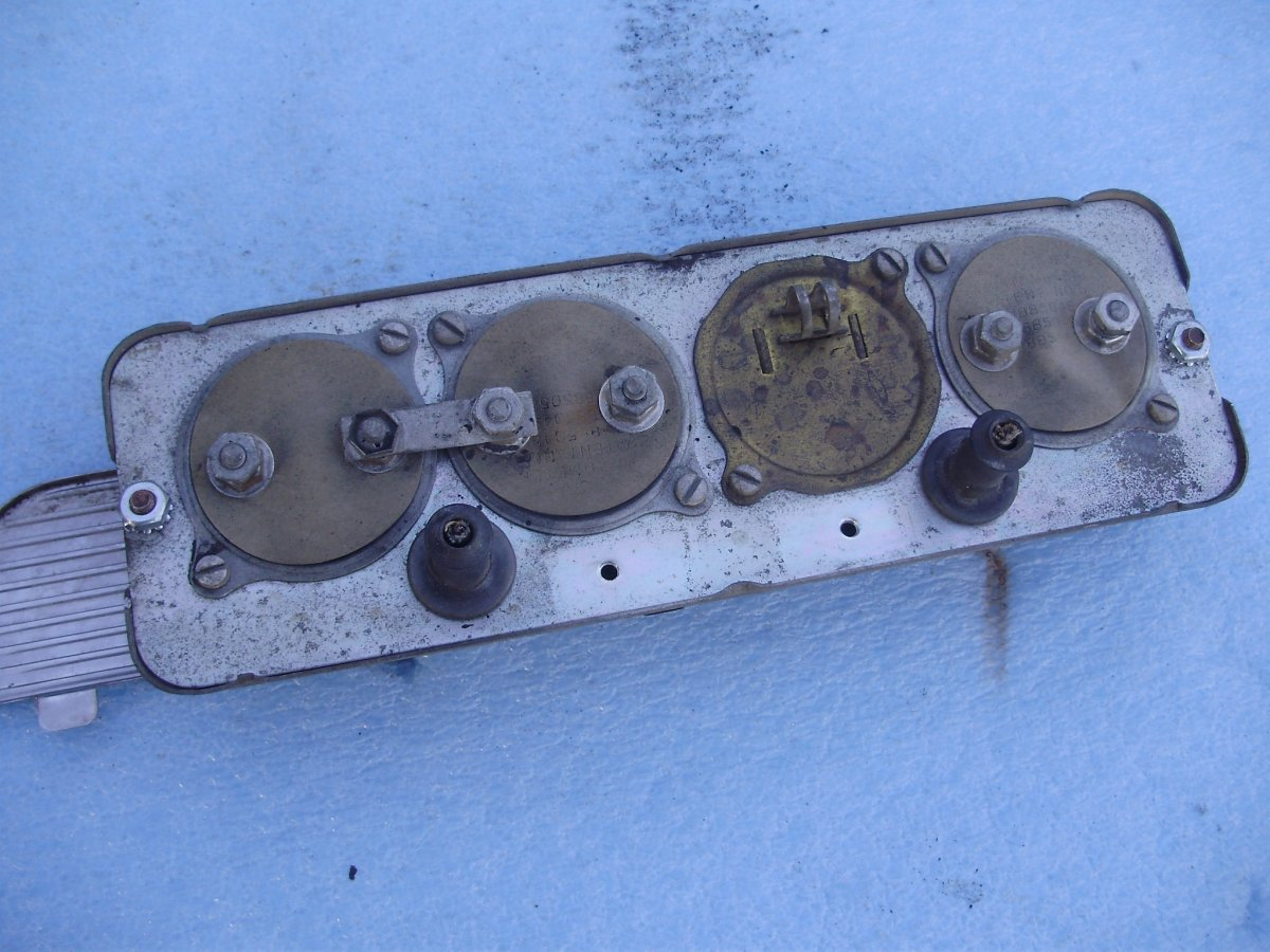 gauges 002.JPG
