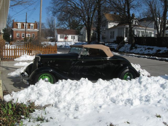 Genes roadster in snow 002.jpg