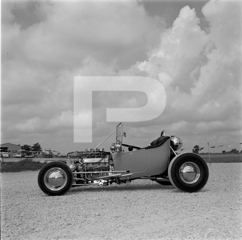 George-Gould-T-Bucket-roadster-005.jpg