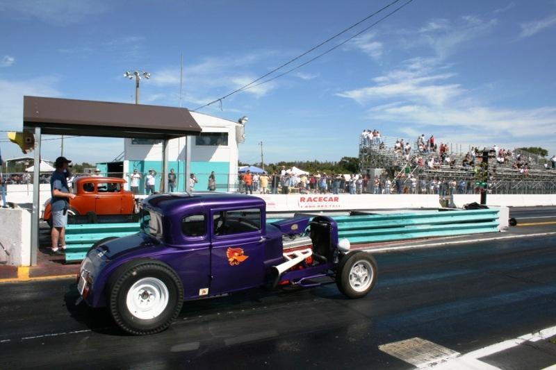 Glenn racing Dave.jpg