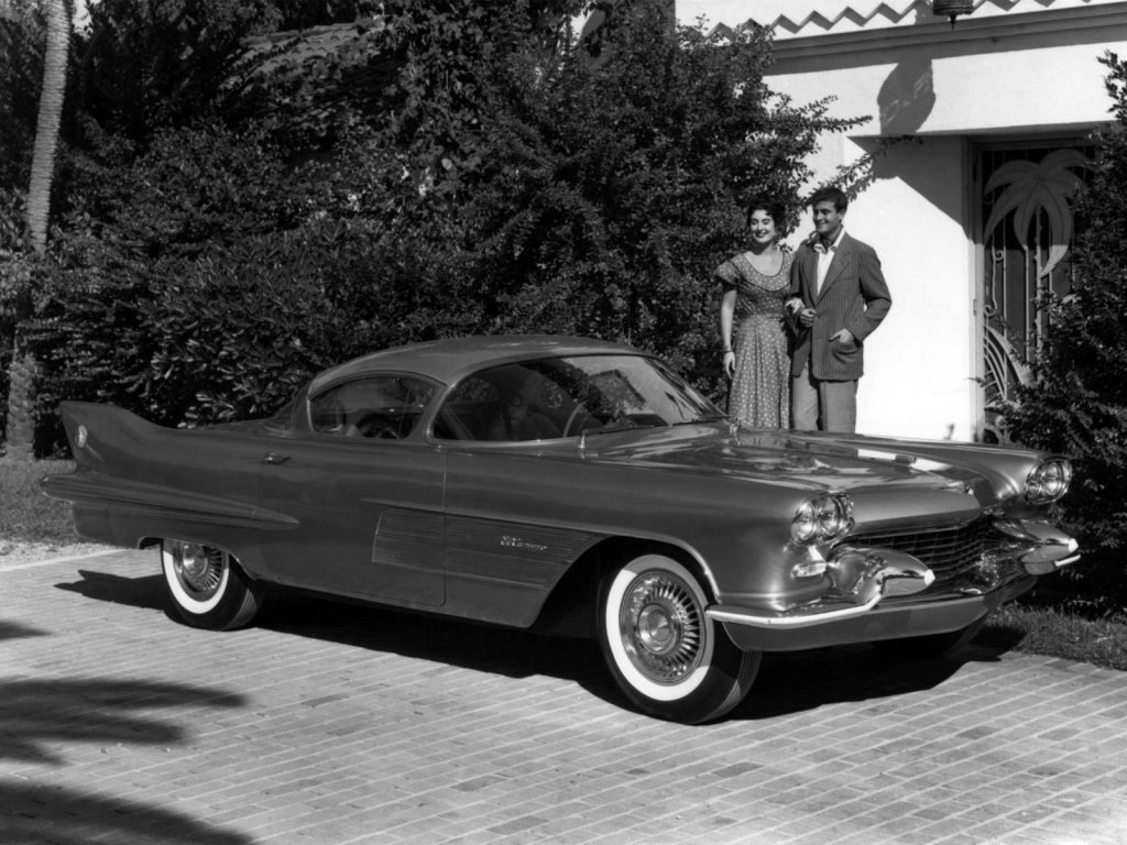 GM first used the name El Camino for the 1954 Cadillac El Camino Concept Car 1.jpg