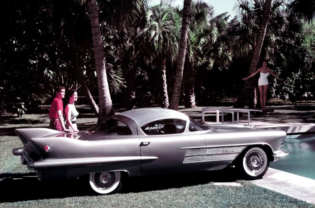 GM first used the name El Camino for the 1954 Cadillac El Camino Concept Car 2.jpg