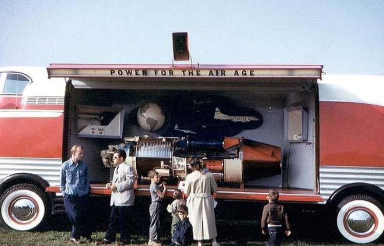 GM Futurliner 'Power For The Air Age' Display - COLOR.jpg