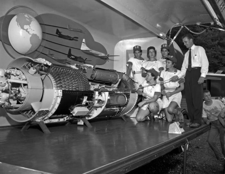 GM Futurliner 'Power For The Air Age' Display with Women's baseball team.JPG