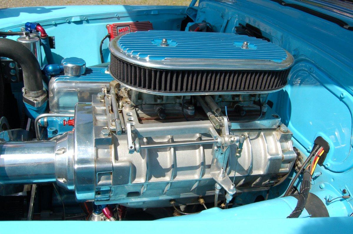 GMC 8V53  blower.JPG