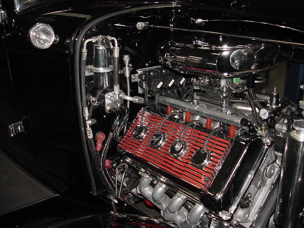 GRADY NORTHSTAR VICKY 1932 FORD NEW ENGINE PICTURE - Copy.jpg