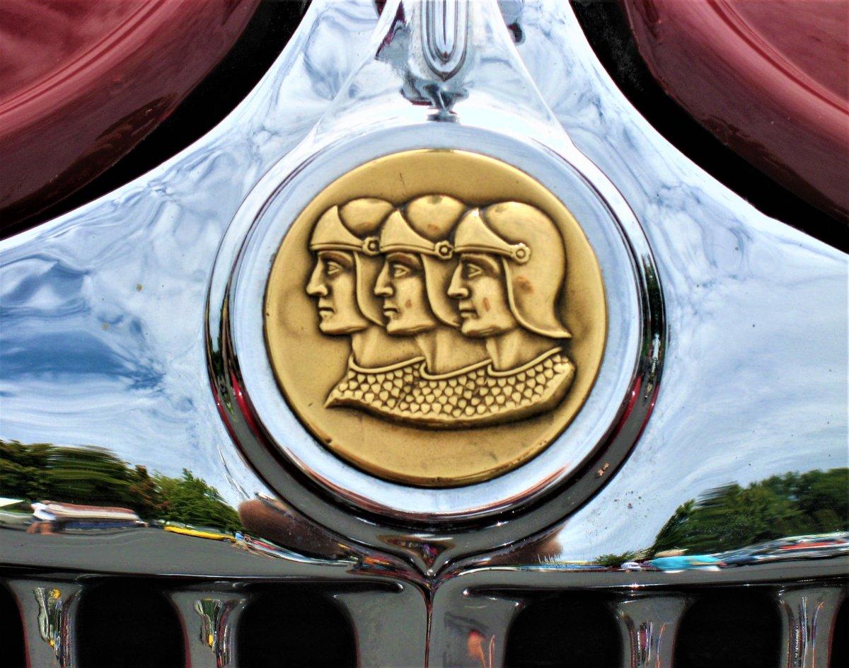 graham medalion (2).JPG