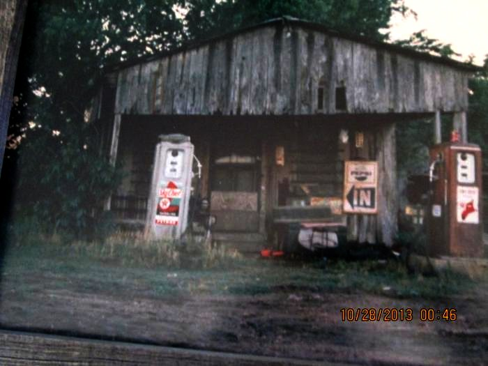 great_old_gas_station.jpg