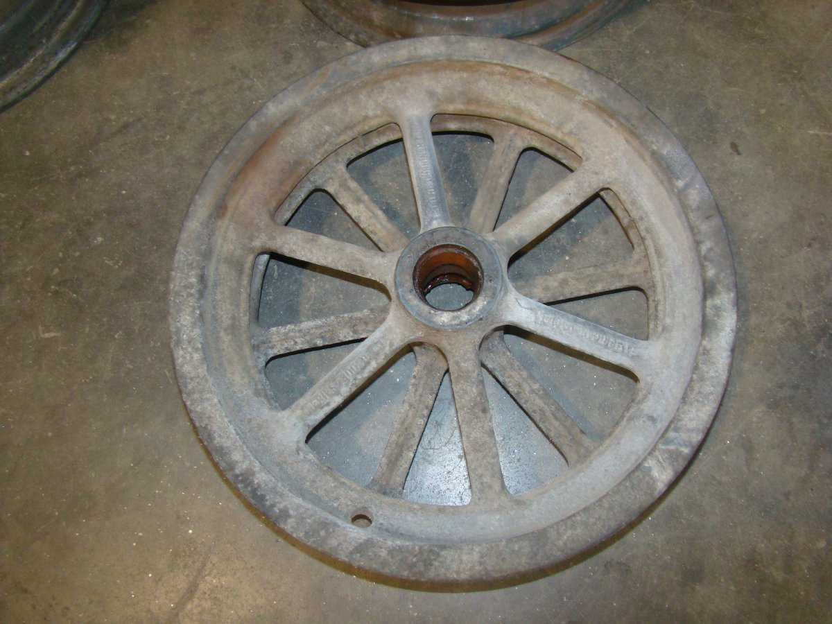 VERY NICE VINTAGE AMERICAN SPINDLE MOUNT MAG WAGON WHEELS | The H.A.M.B.
