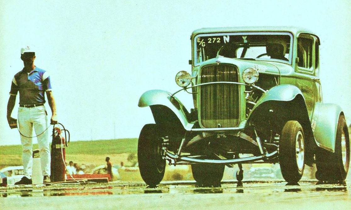 Harry Luzder s 1932 Ford coupe at launch.JPG