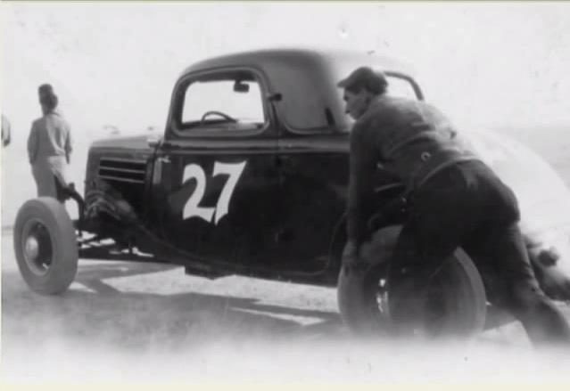Harry Oka 34 ford 1937.jpg