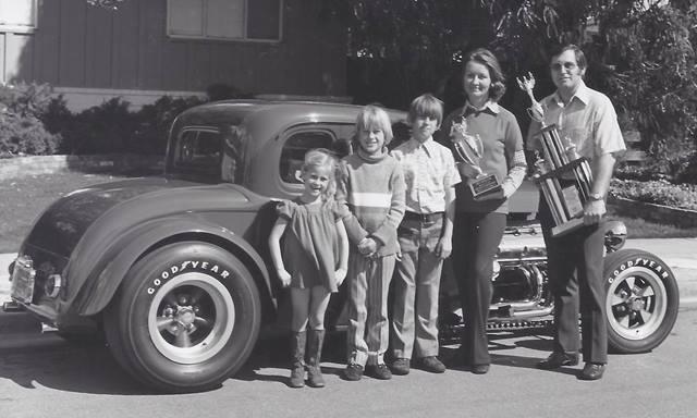 HEMI32\'s family (circa 1973).jpg