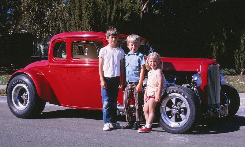 HEMI32 & Siblings (circa 1971).jpg