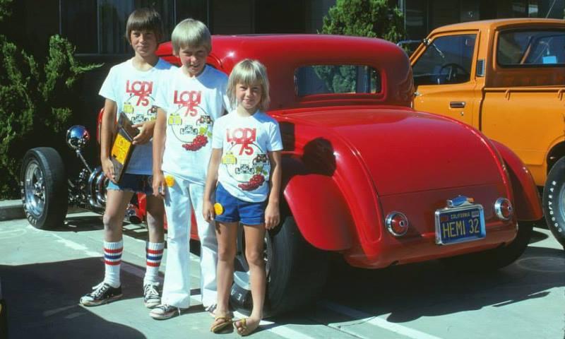 HEMI32 & Siblings (circa 1975).jpg