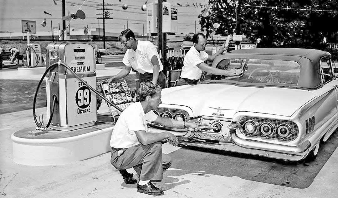 Hi-Octane-Gasoline-Station-Give-Away-1960-Ford-T-Bird-1-1080x635.jpg