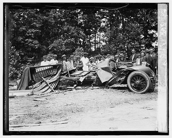 historic_american_junkyard_and_crash_photos07.jpg