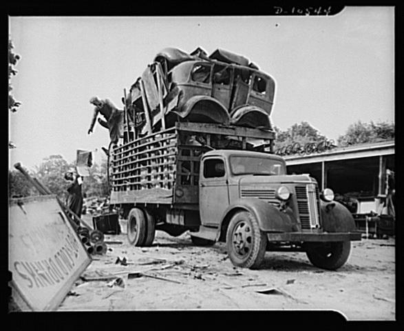 historic_american_junkyard_and_crash_photos08.jpg