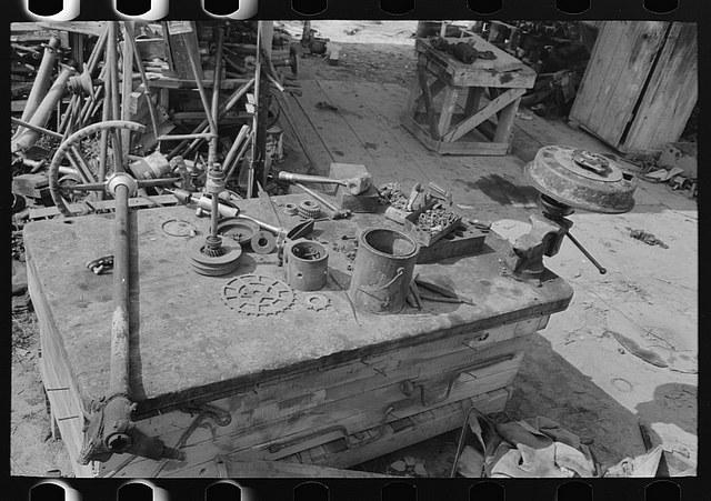 historic_american_junkyard_and_crash_photos17.jpg