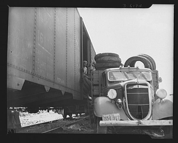 historic_american_junkyard_and_crash_photos22.jpg