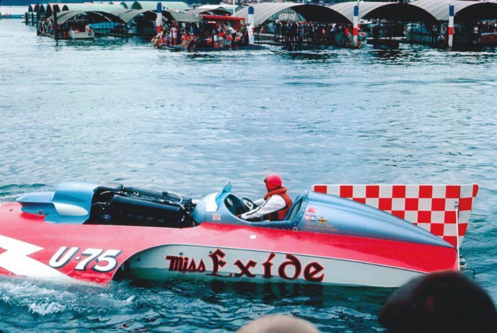 Historic_hydroplane_racing_7_jpg_zpsd3658b15.jpg