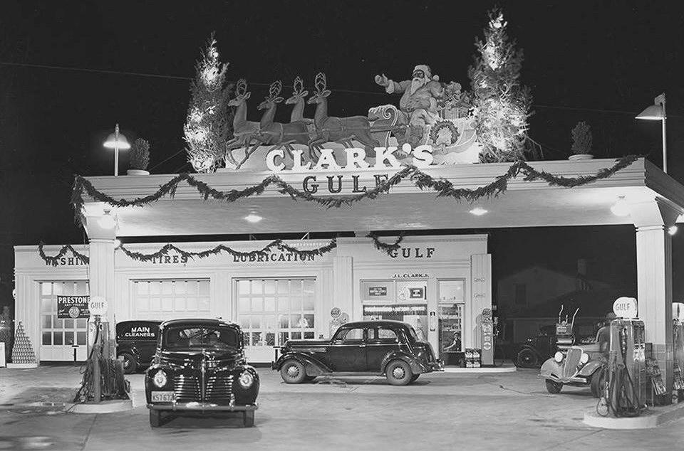 holiday Christmas car 1940 gas station.jpg