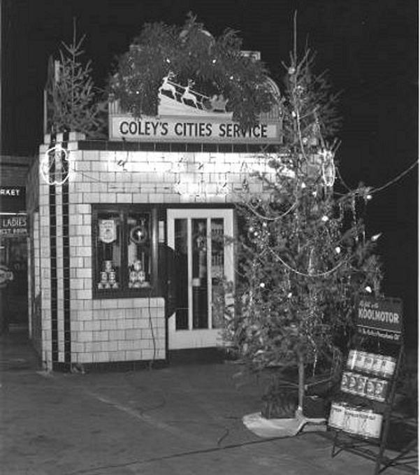 holiday Christmas car gas station 1942 Cities Service, Coley's, Indy, IN Christmas.jpg
