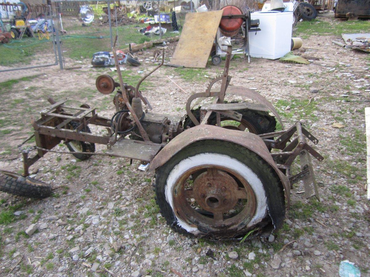 Homebuilt Tractor and Boys 012.JPG