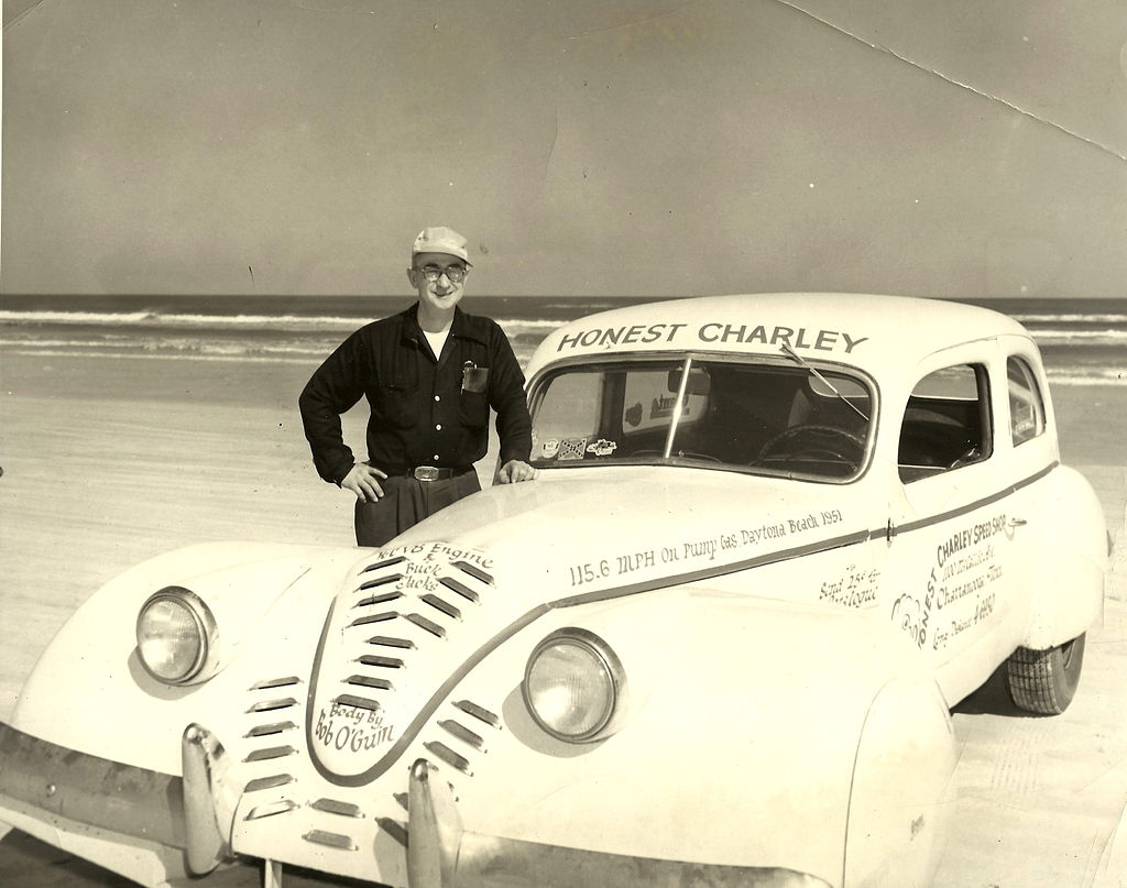 Honest_Charley_at_Daytona_1953.jpg