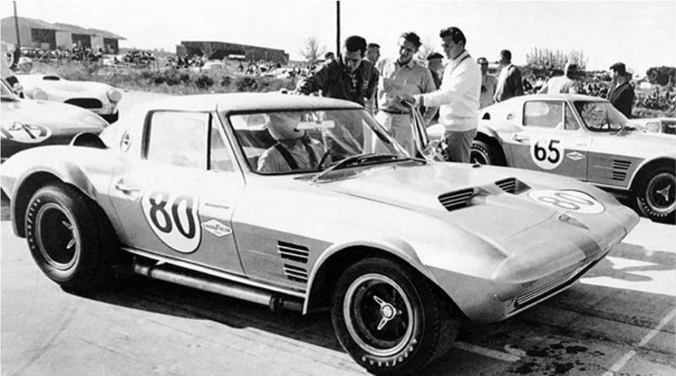 hot4 Corvette Grand Sports… at the 1963 Nassau Grand Prix.JPG