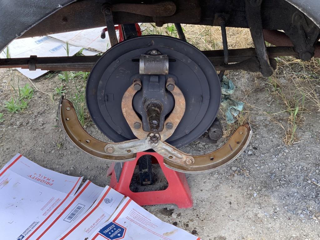 huck-brakes-assembling.jpg