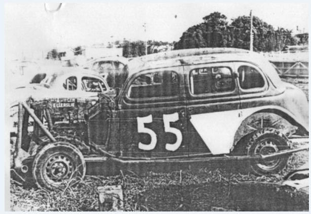 Hughie Fergus #55 1935 Ford V8 Gloucester Park.PNG