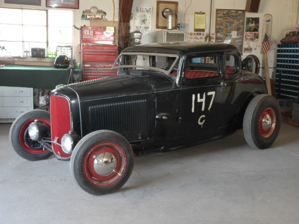Hot Rods - Pics of old black Ford hot rods with red wheels | The ...