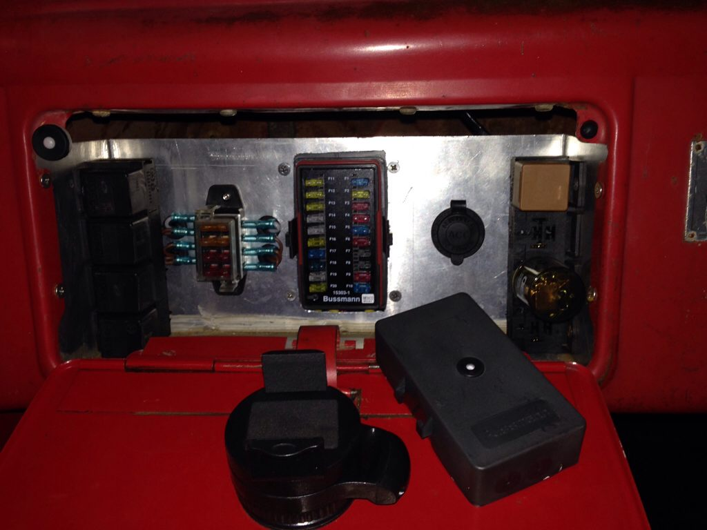 Hot rods neat little fuse panel for your hotrod the h