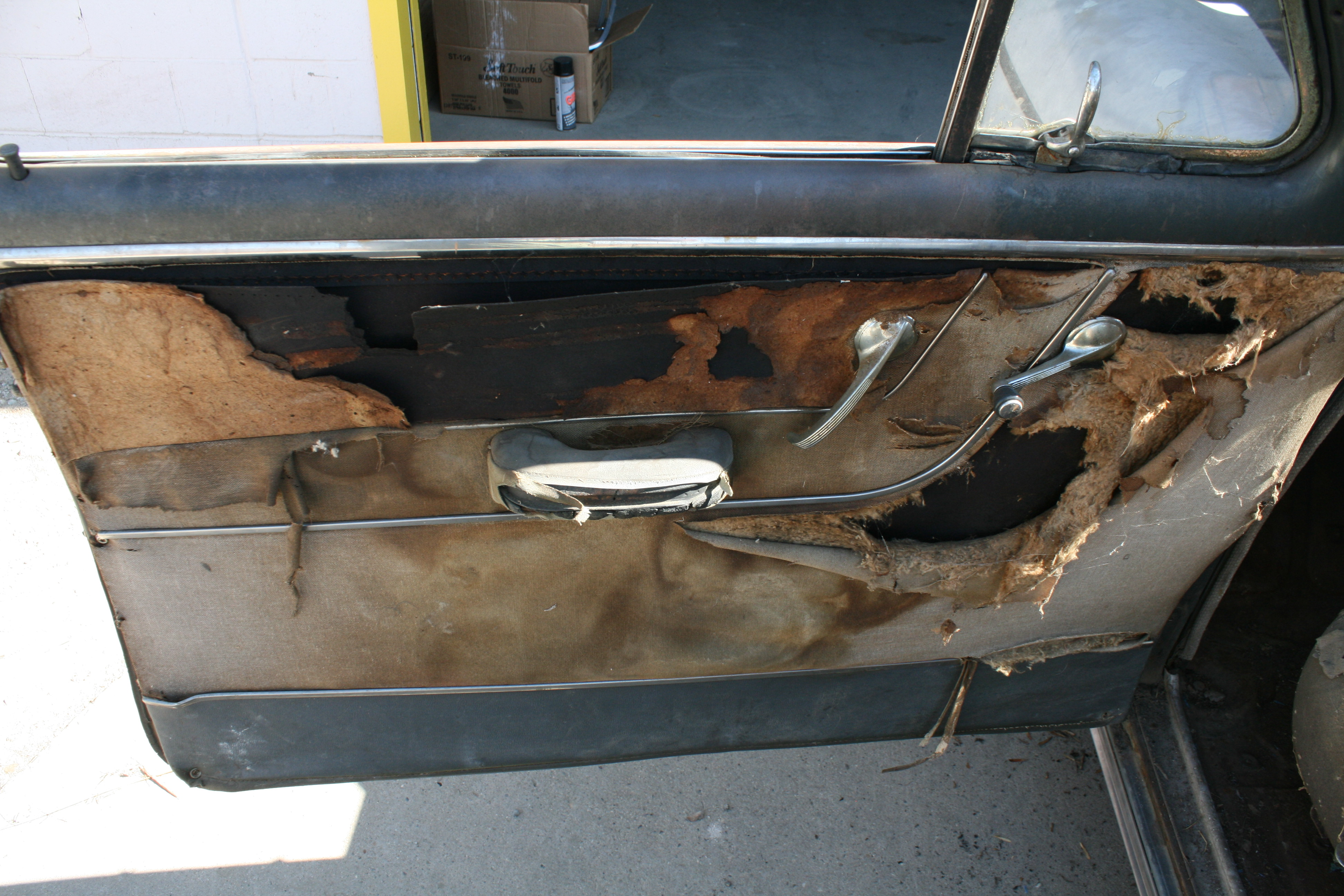 a with door chevrolet truck panels suburban chevy tahoe oct pm panel help interior removal forum photo need