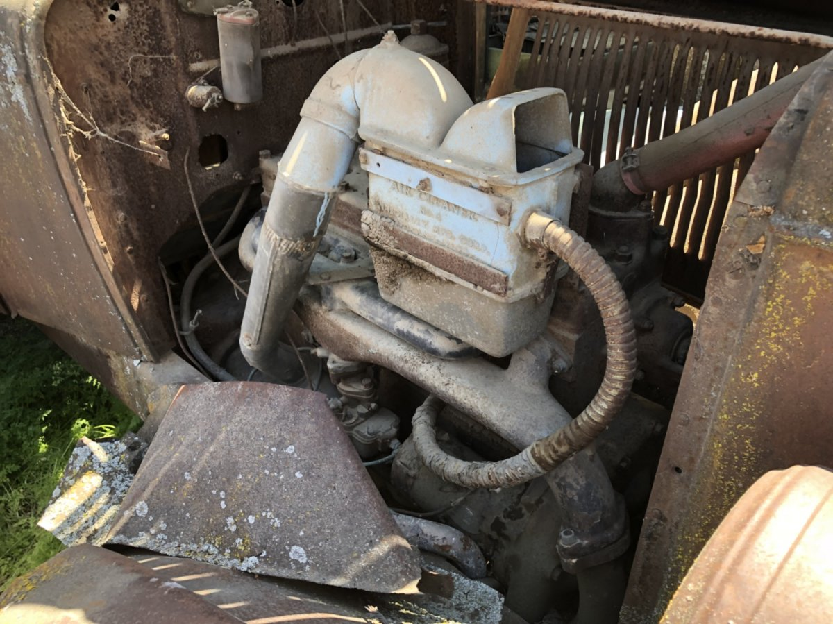 Technical - Interesting Oversized oil bath air cleaner, what did I ...