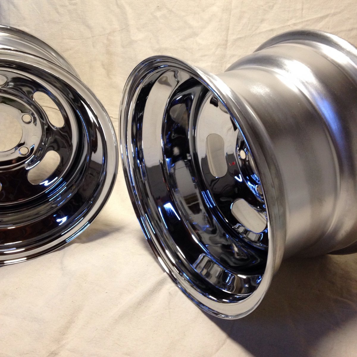 NEW Astro / Howard style CHROME SLOT wheels | The H.A.M.B.
